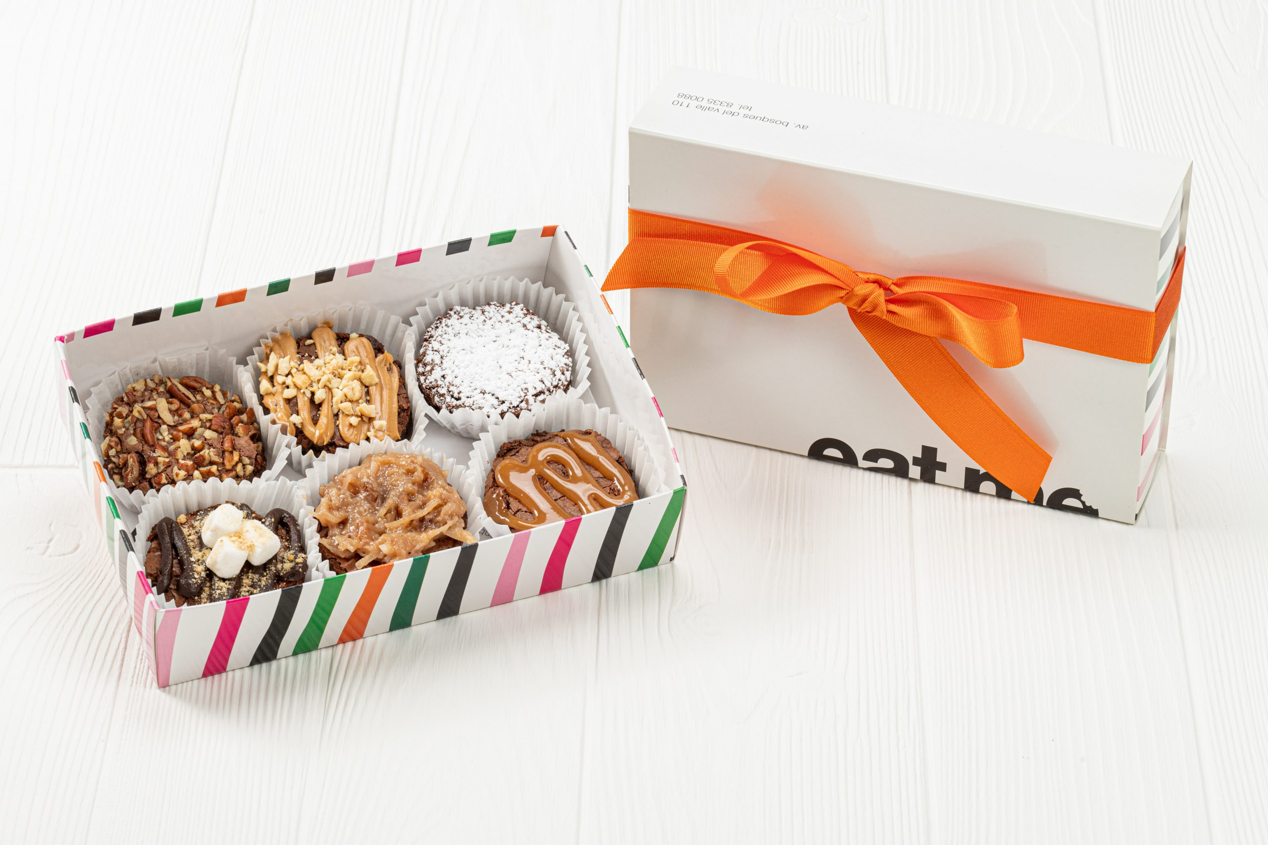 No.1001 Caja de 6 Brownies